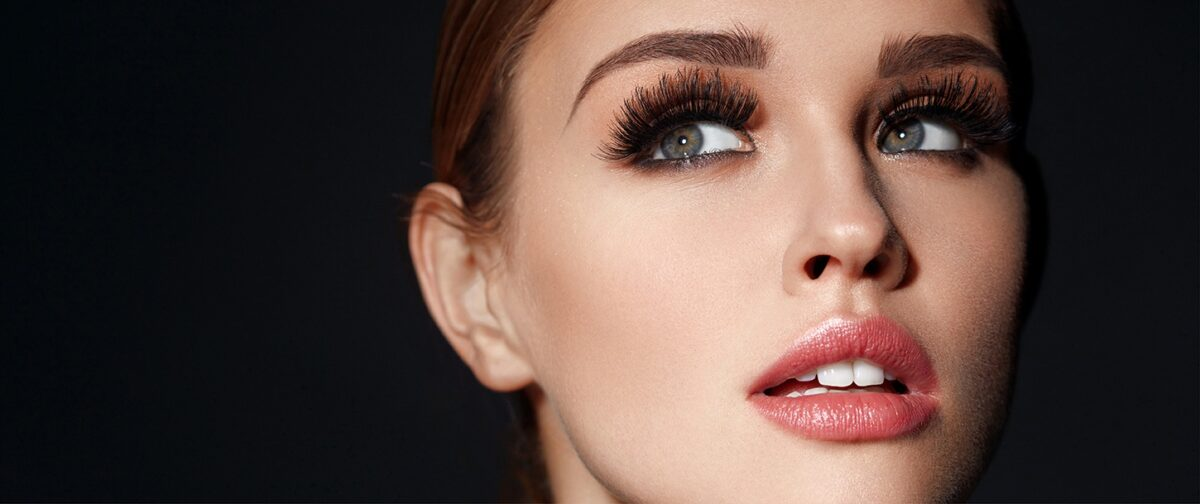 Want Flawless Complexion? Try The Rose Powder For Face